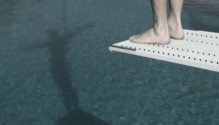 springer i vandet